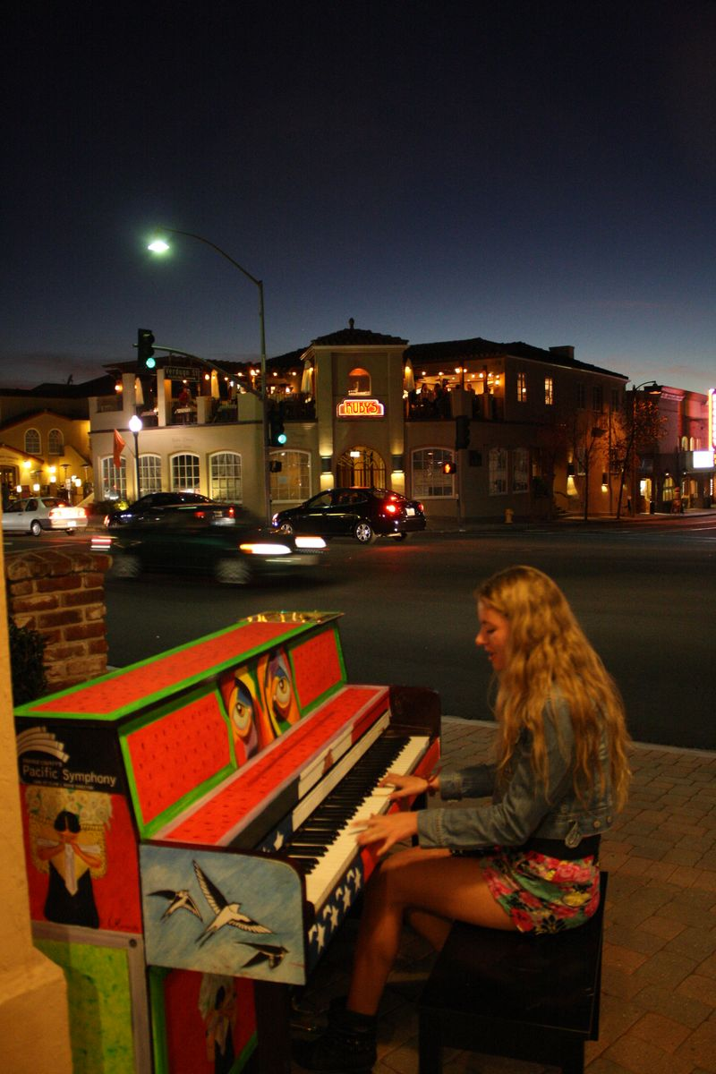 Public Piano 025